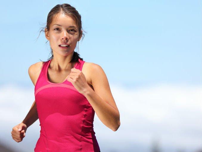 ¿Cuántos kilómetros hay que caminar para quemar las calorías de tu comida favorita?