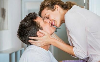 El beso, una forma de compartir… 80 millones de bacterias