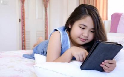 ¿Por qué es mejor leer un libro de papel que uno electrónico antes de dormir?