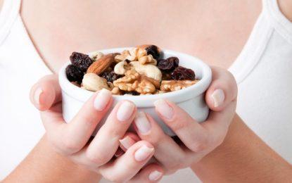 Los grandes beneficios de los frutos secos que dejamos pasar