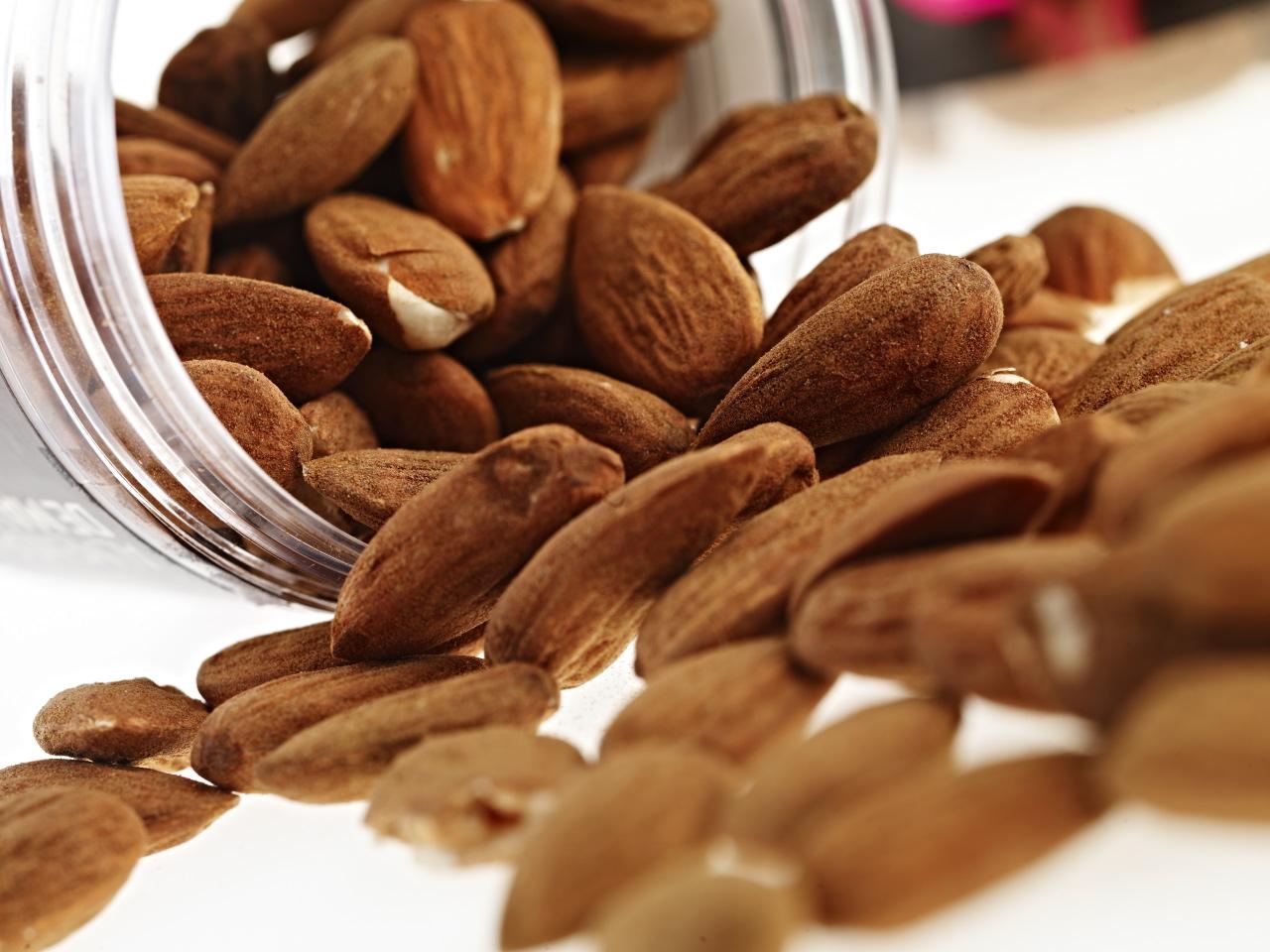 10 bocadillos saludables para comer en la oficina, según los nutricionistas
