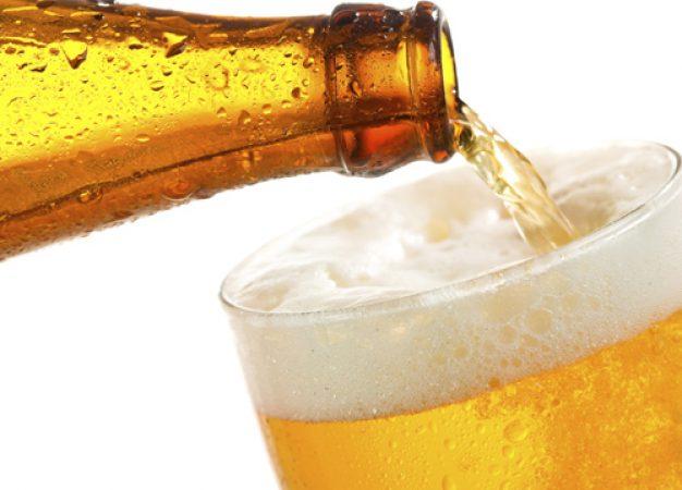 Beber cerveza puede ser parte de una dieta balanceada