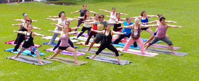Yoga celebra primer festejo mundial