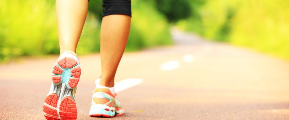Olvídate de caminar 10.000 pasos al día: hay una mejor manera de ponerte en forma