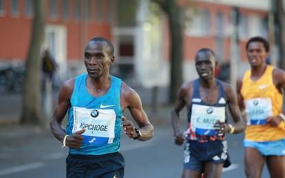 El keniano Eliud Kipchoge gana la maratón de Berlín sin récord mundial