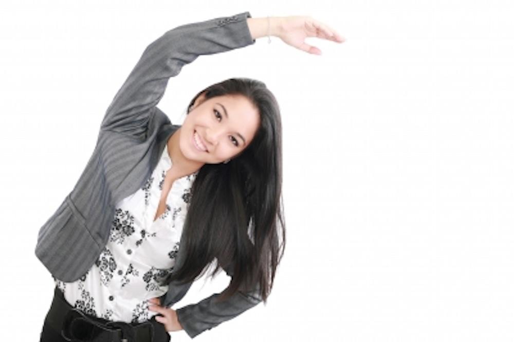 Estírese en el trabajo y evite el estrés