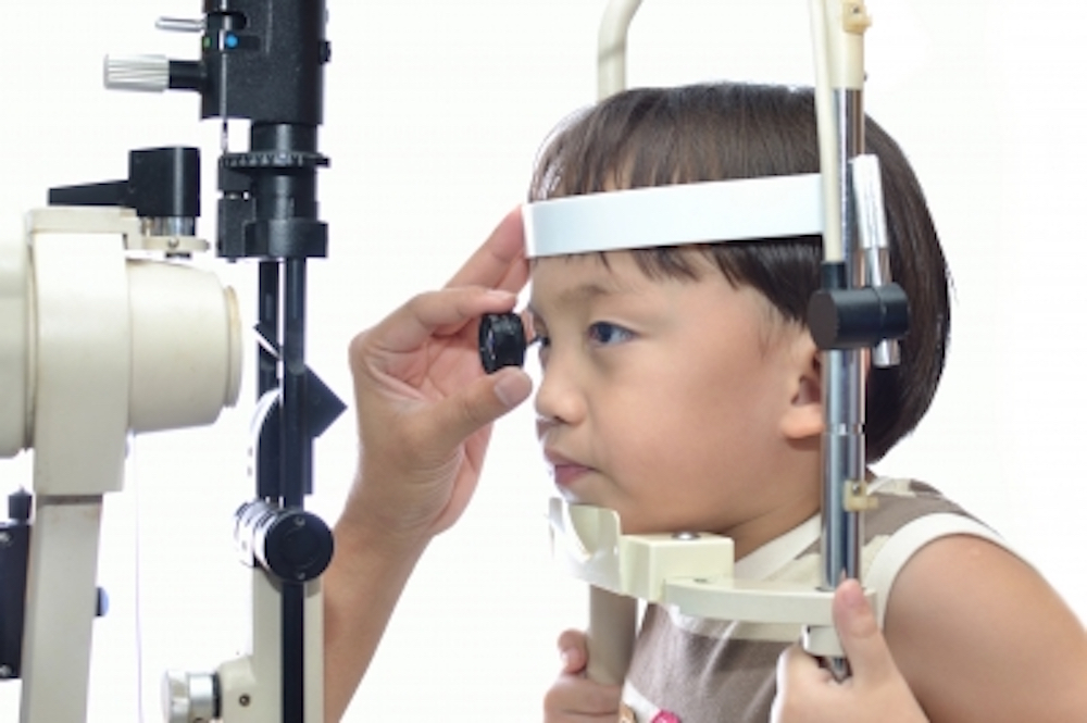 Nueva aplicación tecnológica ayuda a pacientes con problemas de visión a reconocer personas, colores e incluso dinero