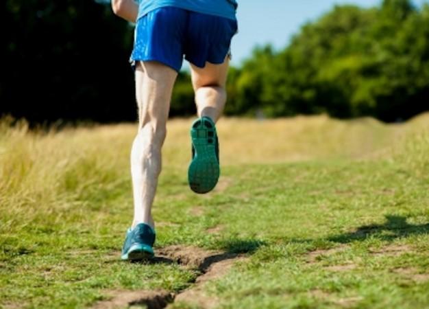 ¿Cuánto ayuda el ejercicio a contrarrestar los síntomas del síndrome de las piernas inquietas?