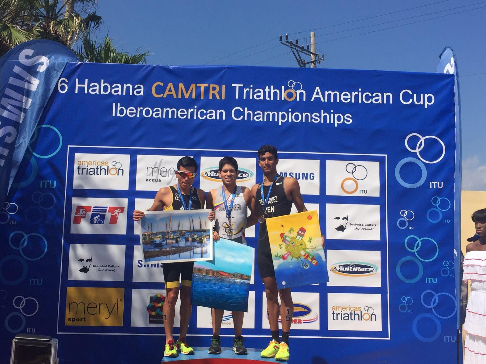 Deportistas latinoamericanos son los grandes triunfadores del triatlón de la Habana