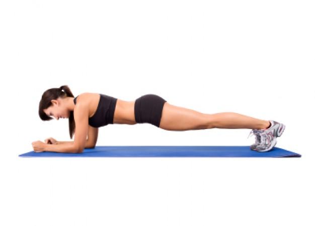 ¿Cómo lograr un abdomen plano con ejercicios plancha?
