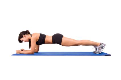 Mantenga piernas y glúteos firmes con estos 9 ejercicios