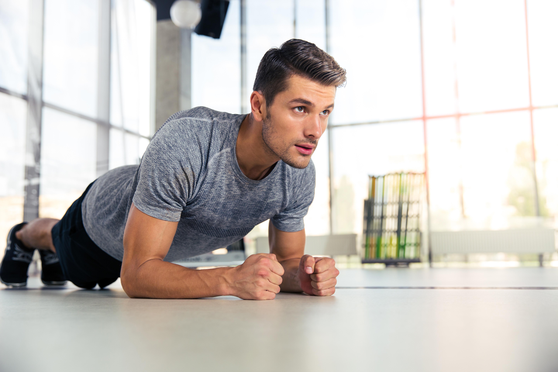 Flexiones o barras, ¿qué ejercicio es el más completo?