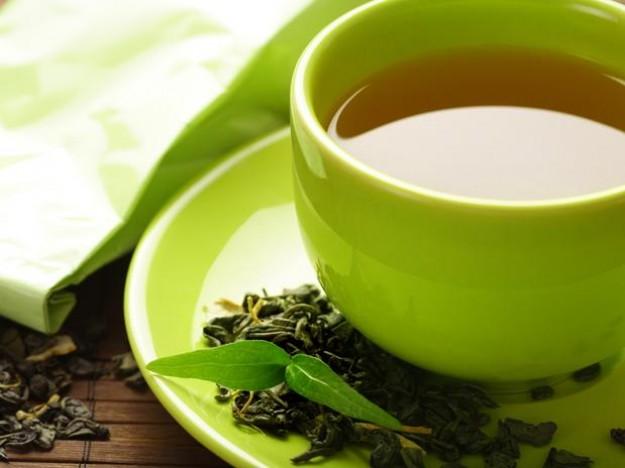 Jugos y té alejan a jóvenes de la tradición de beber café