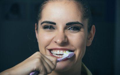 Beber té de frutas o jugos puede dañar tus dientes