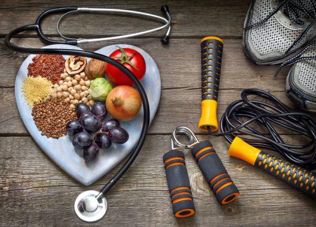 ¿Qué es mejor para bajar de peso, reducir las calorías o aumentar el ejercicio?