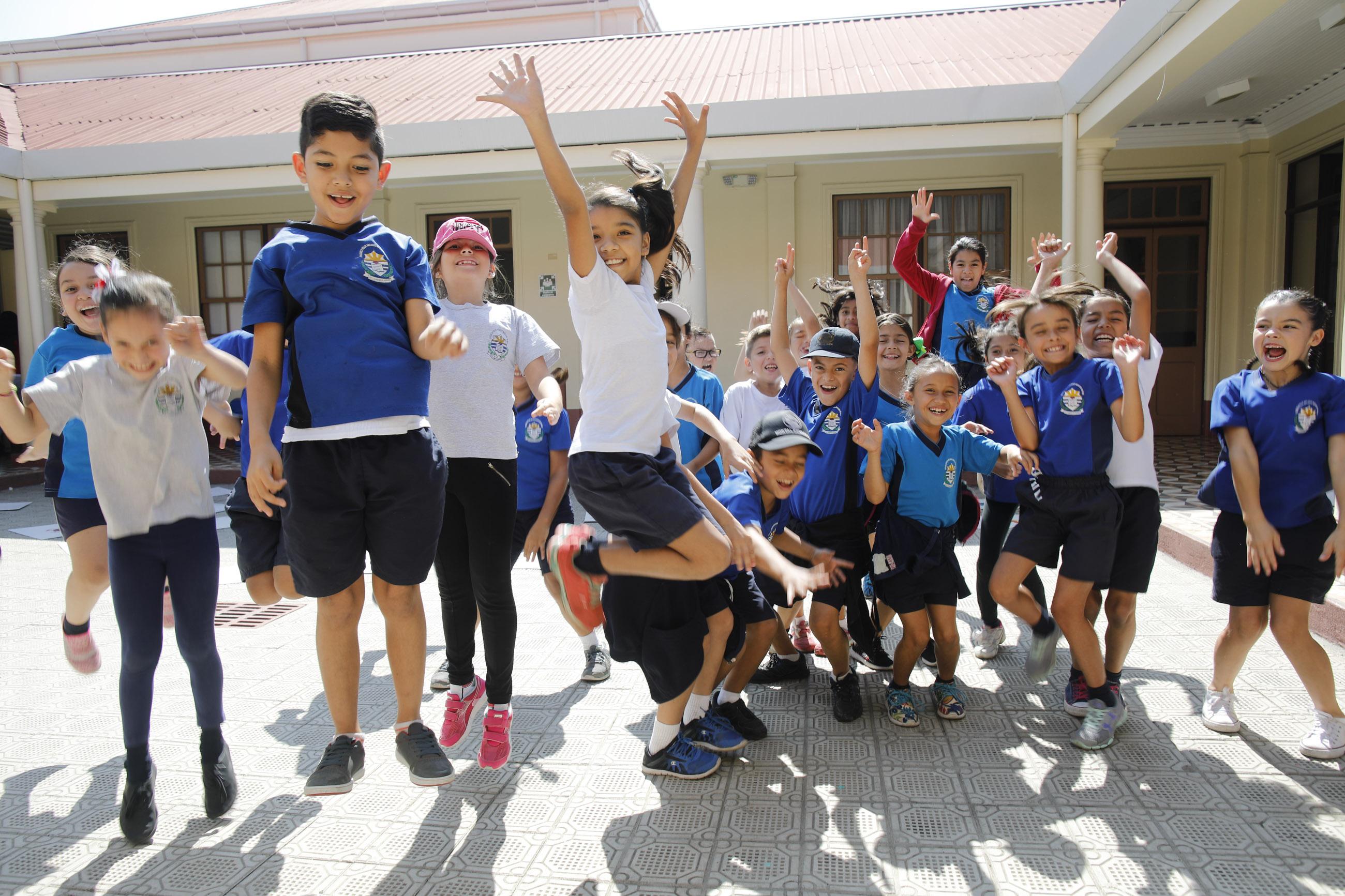 5.000 estudiantes costarricenses aprenderán estilos de vida saludable