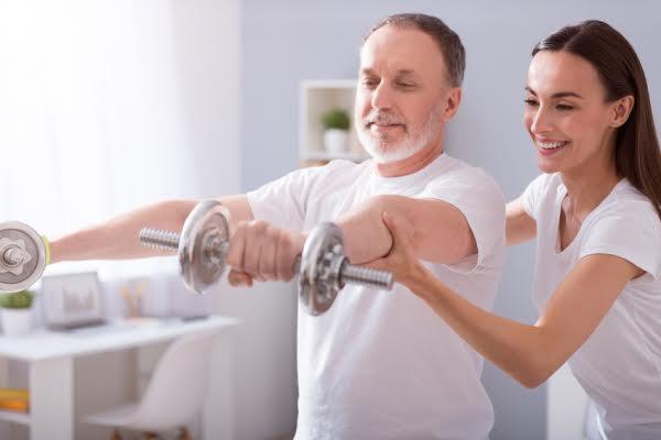 Los beneficios que obtiene los adultos mayores al hacer ejercicio