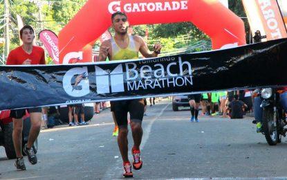 Olivio y Méndez se dejan la victoria en la Tamarindo Beach Marathon 2017