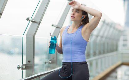 Cuando sudar más de lo normal se vuelve un problema y cómo tratarlo