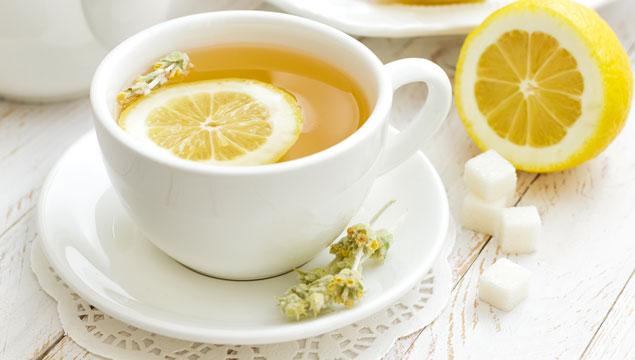 5 beneficios de tomar té de limón