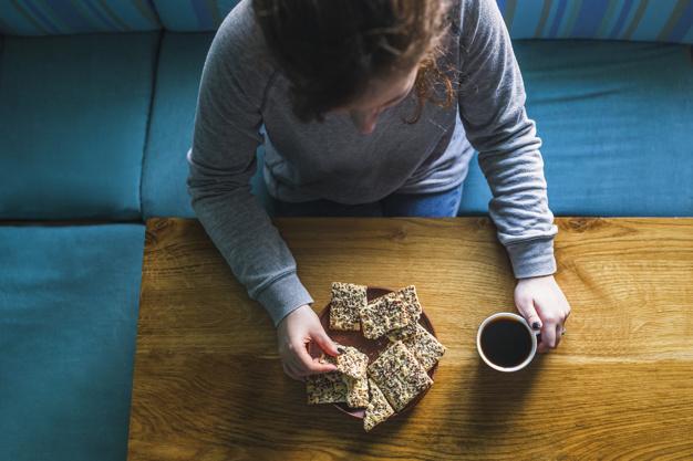 En qué consiste la dieta 16:8, una alternativa a la dieta de ayuno 5:2