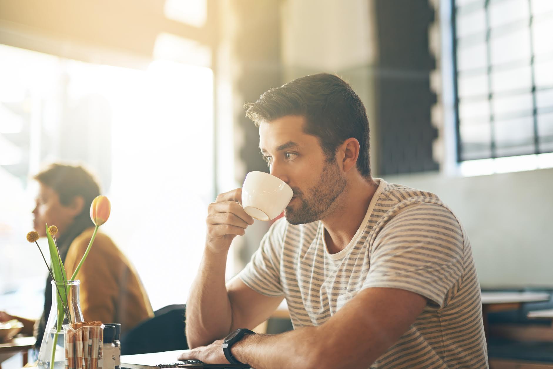 ¿Cuándo dejar de tomar café para poder dormir bien?