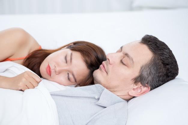 ¿Problemas para dormir? un buen masaje ayudará