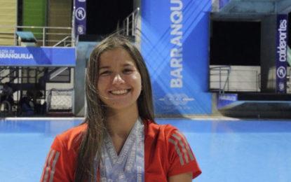 Nadadora costarricense Camila Haase fue nombrada Atleta del Mes