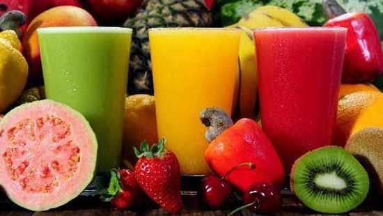 ¿Extraer el jugo de frutas y verduras es sano o se pierden nutrientes?