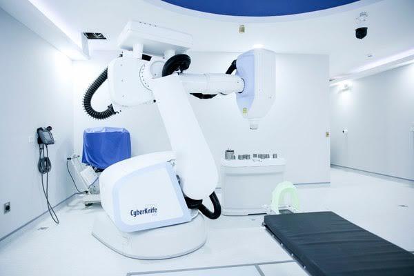 Cyberknife: el nuevo robot que cura el cáncer en Costa Rica