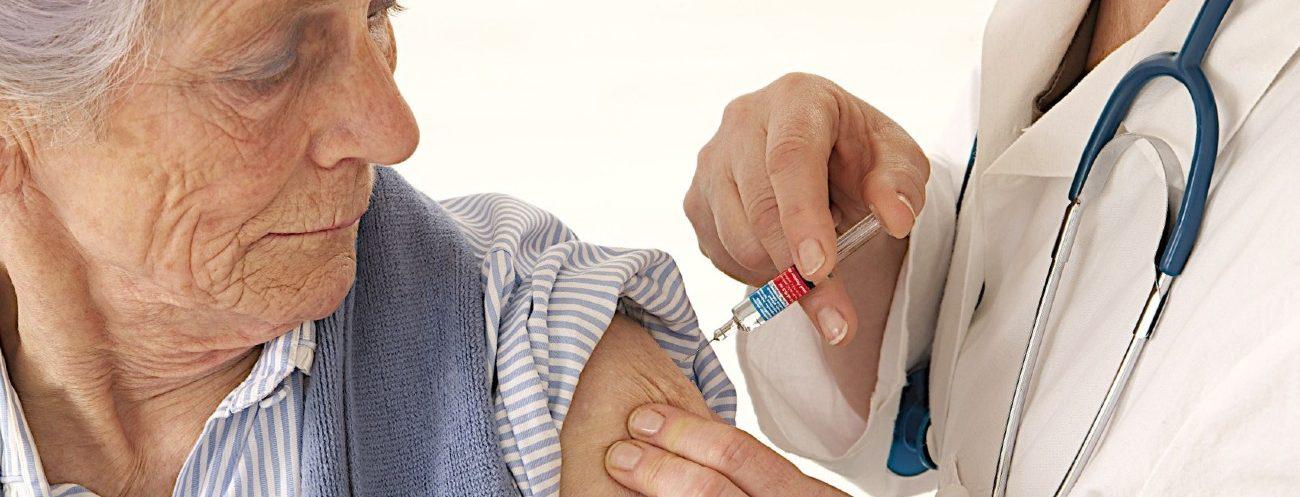Evitemos la neumonía en adultos mayores mediante la vacunación
