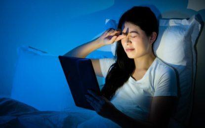 Envejecimiento digital: ¿cómo proteger nuestra piel de la luz azul en las videollamadas de trabajo?