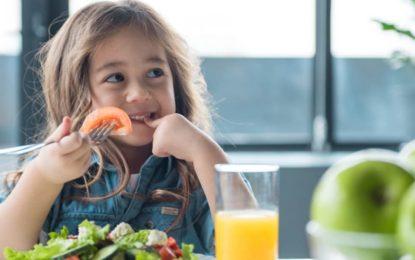 ¿Cómo la nutrición puede influir en el bienestar emocional de un niño?