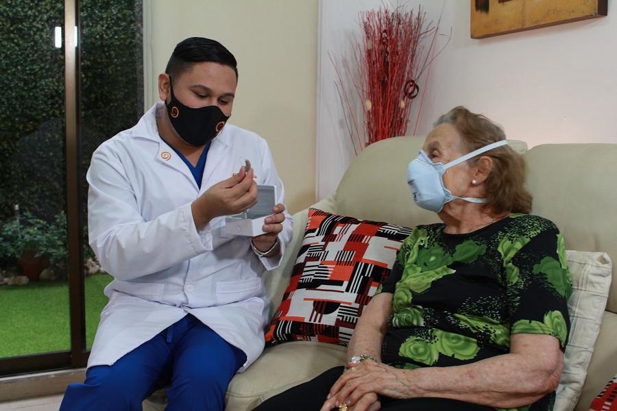Nueva plataforma digital permitirá que pacientes con problemas auditivos reciban atención sin salir de sus hogares
