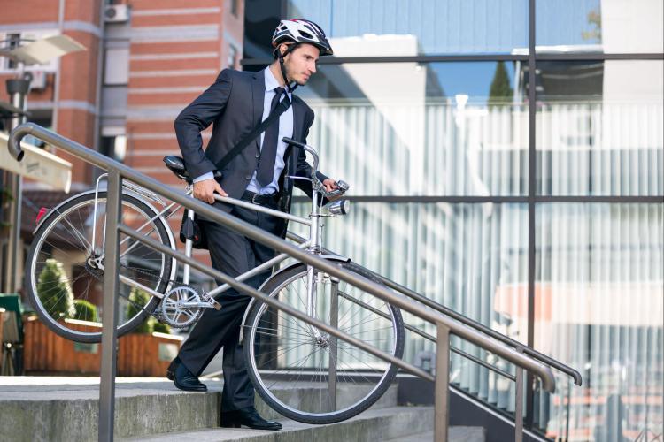 Zona Franca La Lima promueve que sus colaboradores lleguen al trabajo en bici